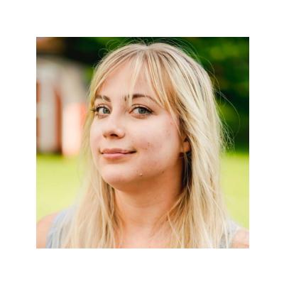 Samantha Toet